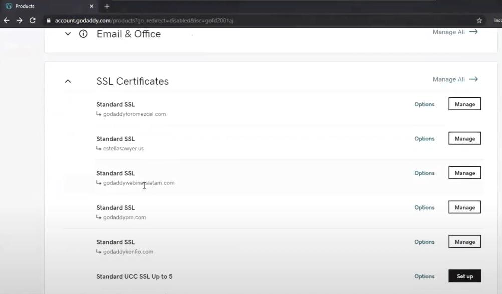 Selecciona tu dominio en el panel de GoDaddy para instalar el certificado de seguridad